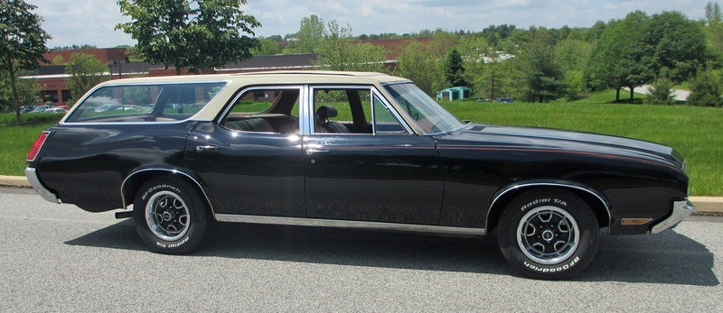 ... (US) ... 1971 Oldsmobile Cutlass Wagon ... 1cmcq