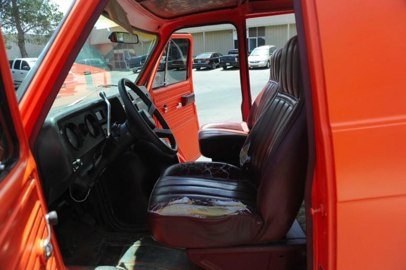 ... (US) 1977 Chevy G20 Van ... N798i