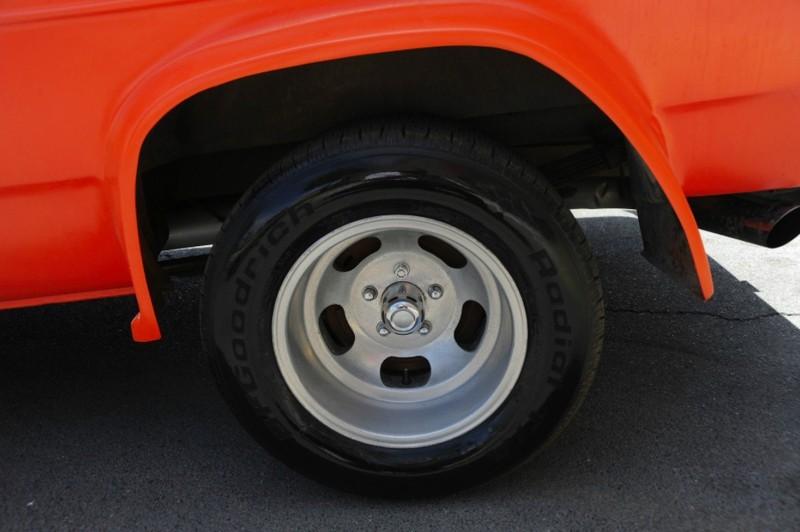 ... (US) 1977 Chevy G20 Van ... 2tpdr