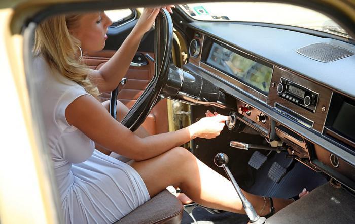 Pin-up en voiture américaine - Page 6 Ltxp7