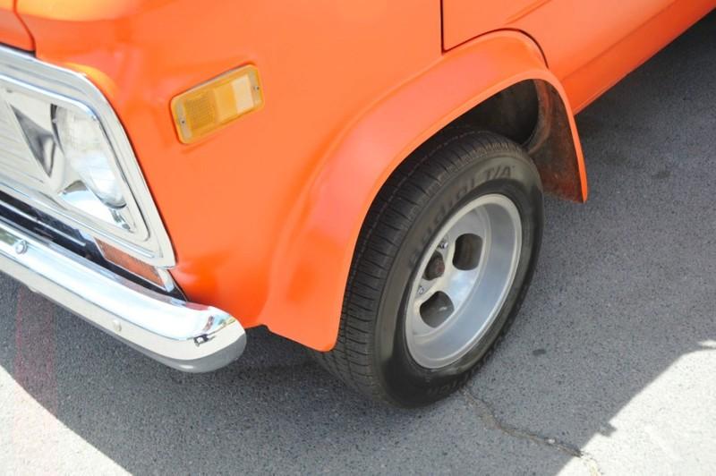 ... (US) 1977 Chevy G20 Van ... Lj0p