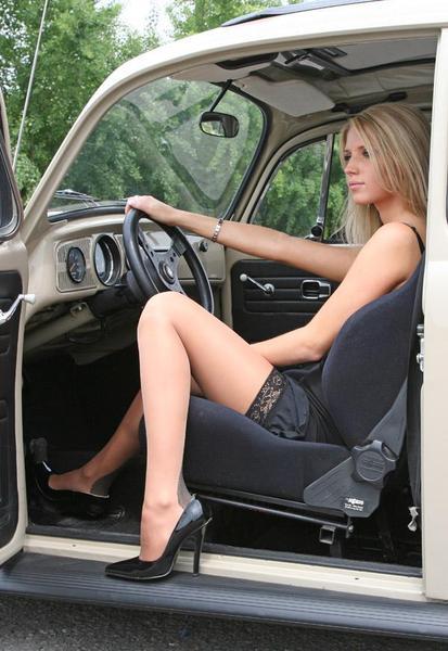 Pin-up en voiture américaine - Page 5 19ki
