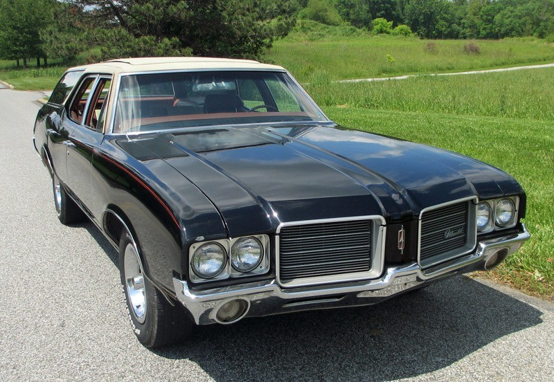 ... (US) ... 1971 Oldsmobile Cutlass Wagon ... Yfte