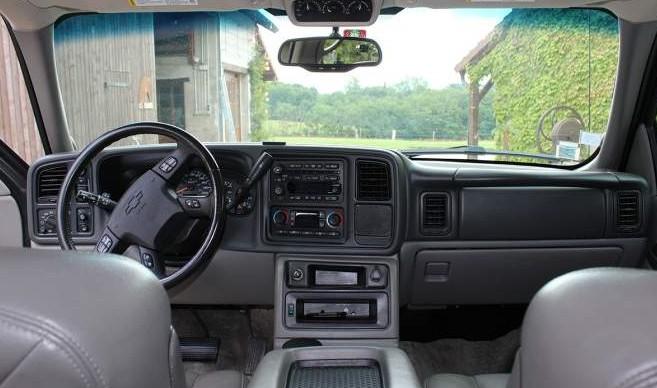 ( F ) Chevrolet Suburban 2500 LT   V8  8.1       21.900€ 4ynq