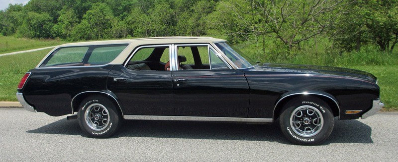 ... (US) ... 1971 Oldsmobile Cutlass Wagon ... Nriu