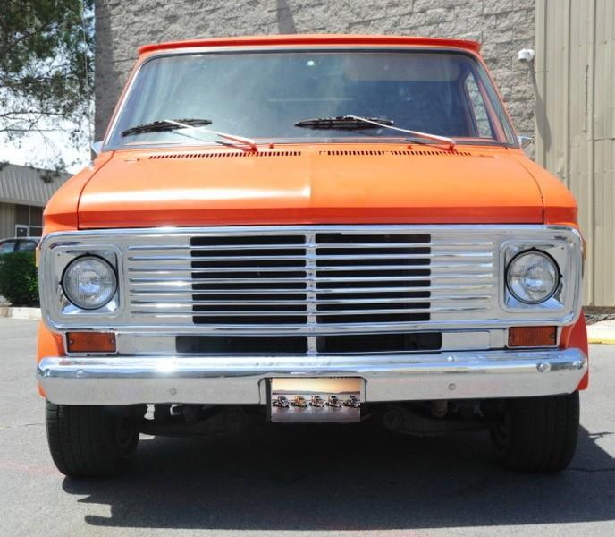 ... (US) 1977 Chevy G20 Van ... 2bv9