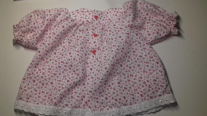 Ein Kleid mit Hose 1KetUo