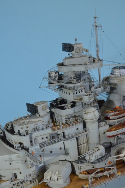 Grande grue 250 t port de Hambourg et Bismarck au 1/350 - Page 16 AdD5Iy