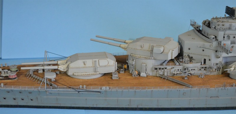 Grande grue 250 t port de Hambourg et Bismarck au 1/350 - Page 16 8KCCoR