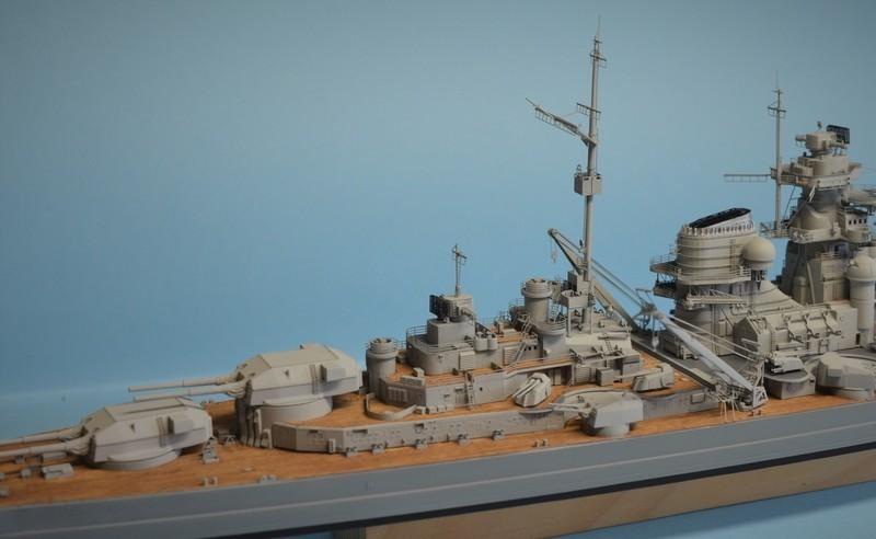 Grande grue 250 t port de Hambourg et Bismarck Revell au 1/350 - Page 9 C06pA2