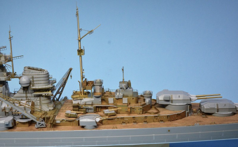 Grande grue 250 t port de Hambourg et Bismarck Revell au 1/350 - Page 6 HgSeAx