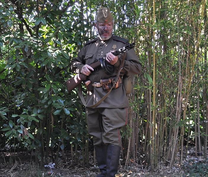 Tenue 3: Soldat russe (WW2) Kar858