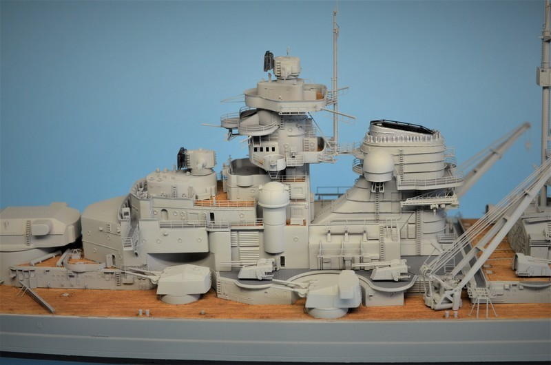 Grande grue 250 t port de Hambourg et Bismarck Revell au 1/350 - Page 9 KhPS4F
