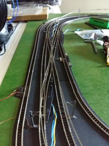 comment faire circuler deux trains en même temps sur une voie unique en analogique ?? X9FcoW