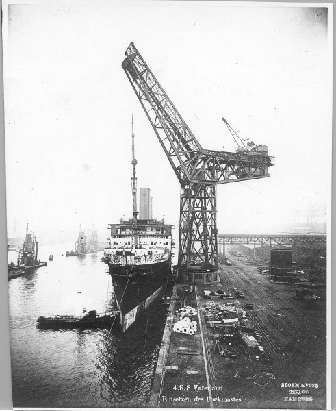 Grande grue 250 t port de Hambourg et Bismarck au 1/350 XdEBti