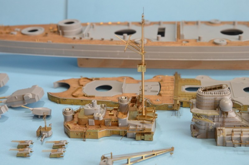 Grande grue 250 t port de Hambourg et Bismarck Revell au 1/350 - Page 6 UwTMSm