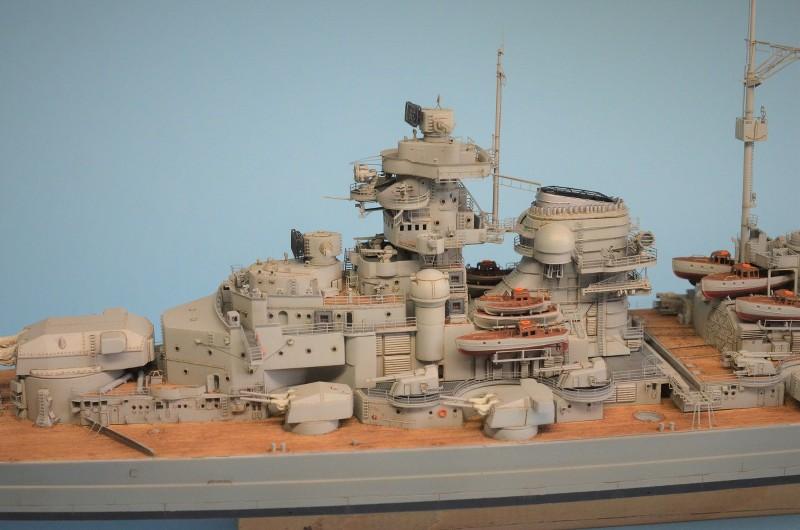 Grande grue 250 t port de Hambourg et Bismarck Revell au 1/350 - Page 9 XNgXFV