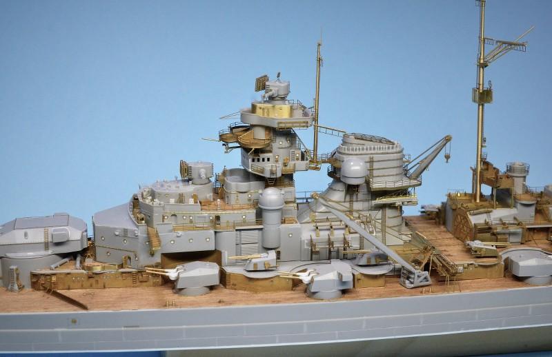 Grande grue 250 t port de Hambourg et Bismarck Revell au 1/350 - Page 6 0HbxGW