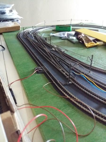comment faire circuler deux trains en même temps sur une voie unique en analogique ?? KBJr6s