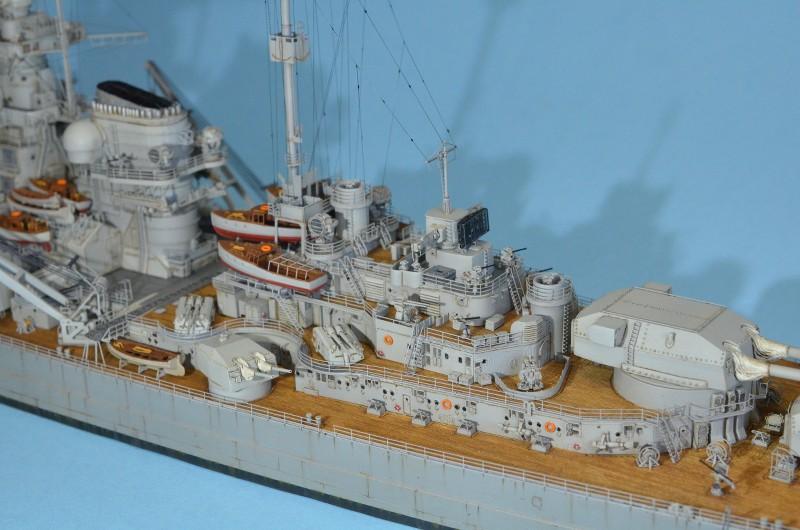 Grande grue 250 t port de Hambourg et Bismarck au 1/350 - Page 16 UBfHBG
