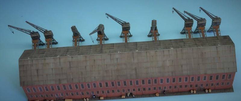 Grande grue 250 t port de Hambourg et Bismarck Revell au 1/350 - Page 9 UiPmne