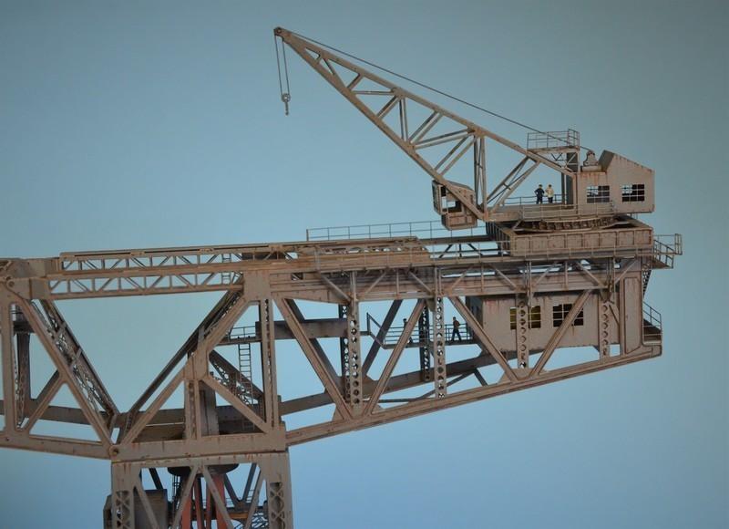 Grande grue 250 t port de Hambourg et Bismarck Revell au 1/350 - Page 9 YtkHfb
