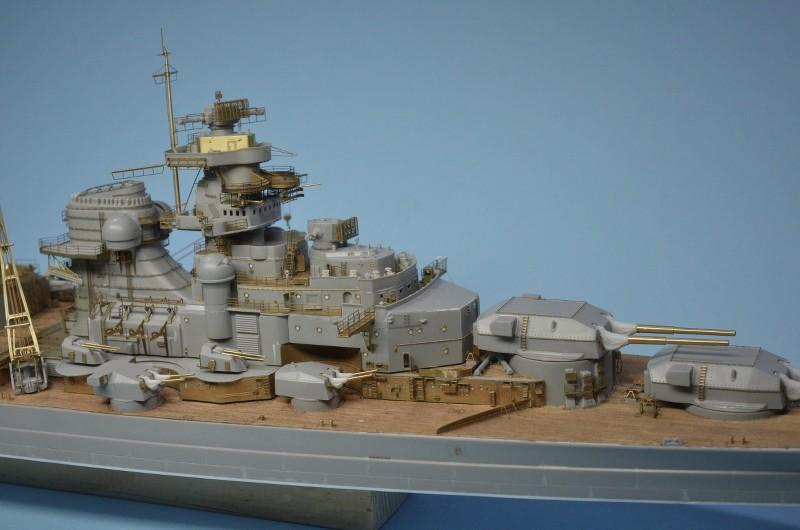 Grande grue 250 t port de Hambourg et Bismarck Revell au 1/350 - Page 6 Rei18x