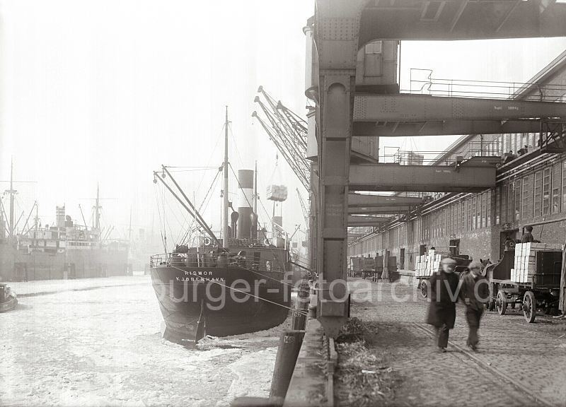 Grande grue 250 t port de Hambourg et Bismarck au 1/350 VBAlfU