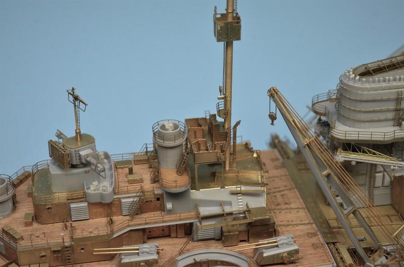 Grande grue 250 t port de Hambourg et Bismarck Revell au 1/350 - Page 6 WiNKEq