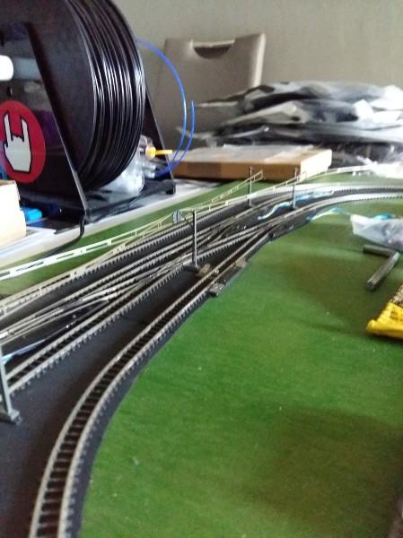 comment faire circuler deux trains en même temps sur une voie unique en analogique ?? D9CgwU