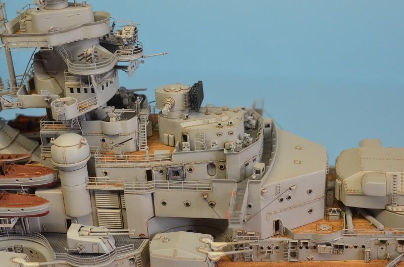 Grande grue 250 t port de Hambourg et Bismarck Revell au 1/350 - Page 9 Nj1uu3