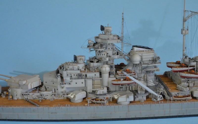 Grande grue 250 t port de Hambourg et Bismarck au 1/350 - Page 16 NxTMBq