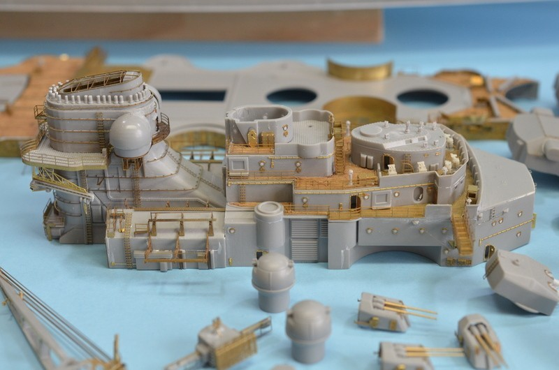 Grande grue 250 t port de Hambourg et Bismarck Revell au 1/350 - Page 6 OE0VbR