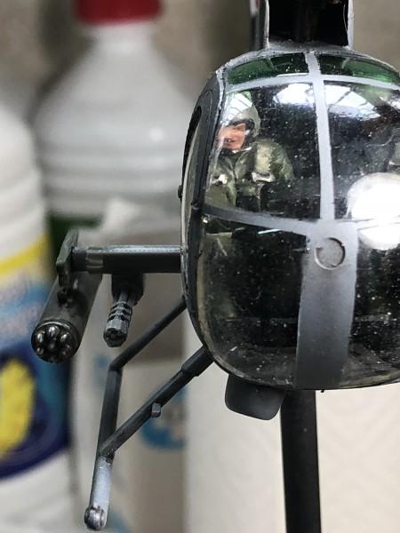AH-6 ACADEMY 1/48 Double montage RLDTqJ