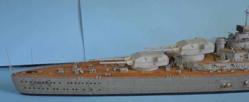 Grande grue 250 t port de Hambourg et Bismarck au 1/350 - Page 16 RduSOo