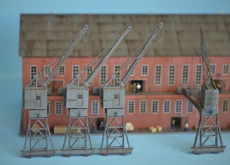 Grande grue 250 t port de Hambourg et Bismarck Revell au 1/350 - Page 9 SqCBKF