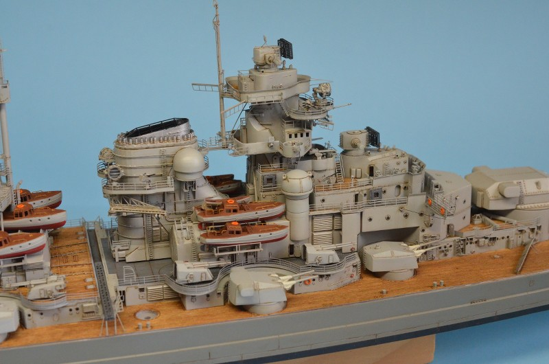 Grande grue 250 t port de Hambourg et Bismarck Revell au 1/350 - Page 9 VyIC0W