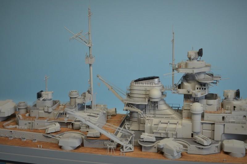 Grande grue 250 t port de Hambourg et Bismarck Revell au 1/350 - Page 9 FnCjJc