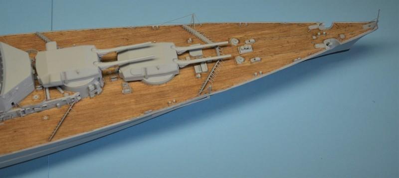 Grande grue 250 t port de Hambourg et Bismarck Revell au 1/350 - Page 9 FrQW33