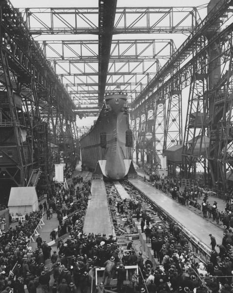 Grande grue 250 t port de Hambourg et Bismarck au 1/350 - Page 3 KWnWqa