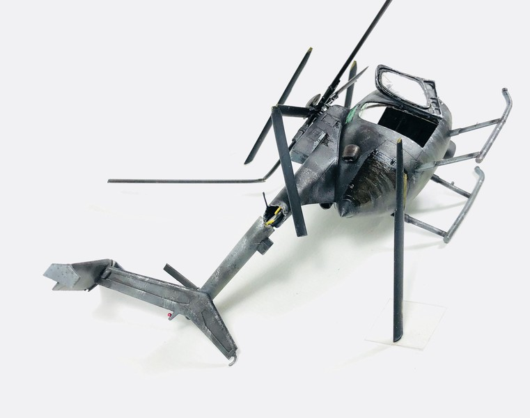 AH-6 ACADEMY 1/48 Double montage Mdv20D