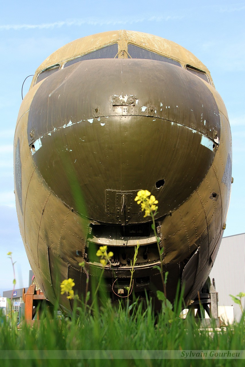 Douglas C-47B Dakota 44-77047 / G-AMSN 2nqa