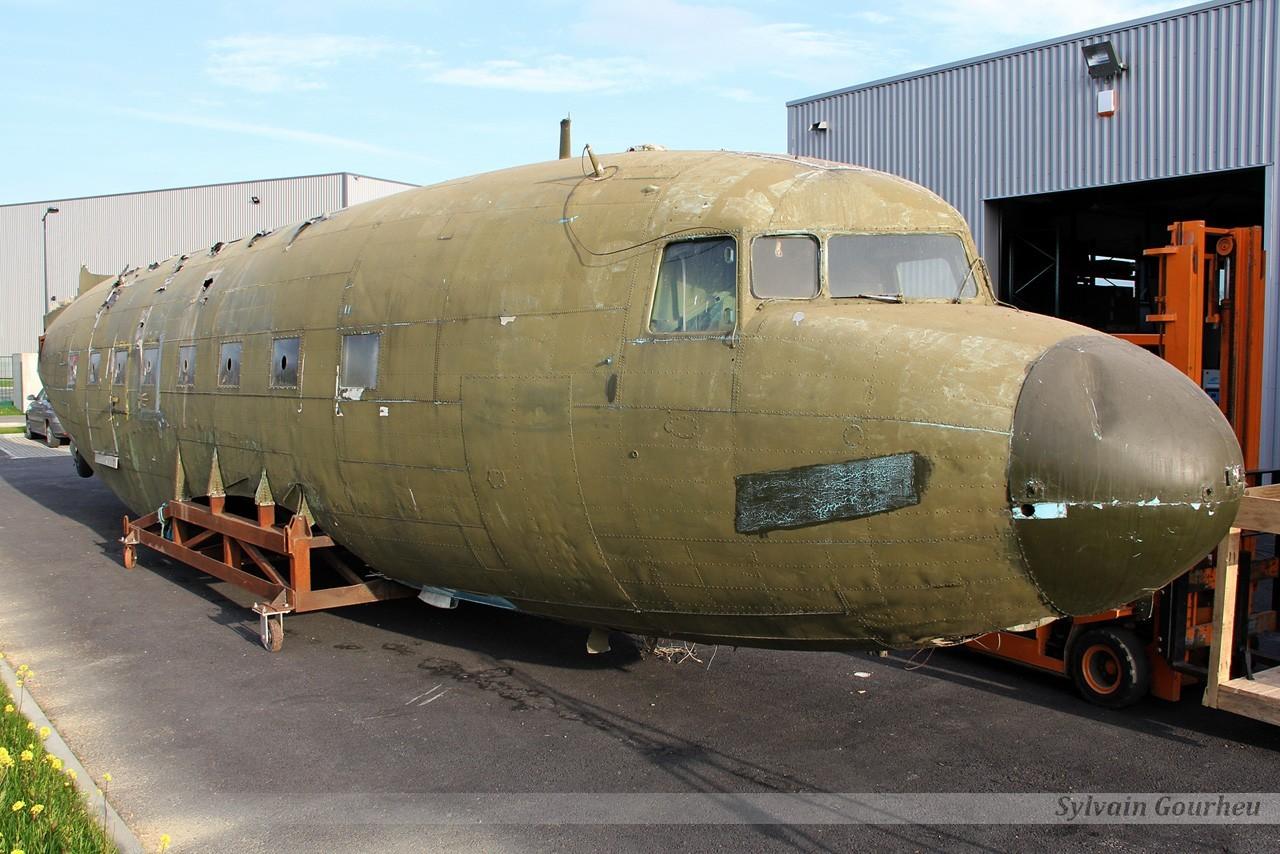 Douglas C-47B Dakota 44-77047 / G-AMSN 9ugd