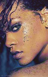 Rihanna Fenty OgGrKU