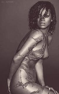 Rihanna Fenty RULZN7