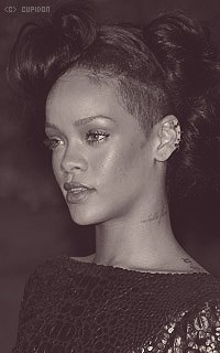 Rihanna Fenty TQEITt