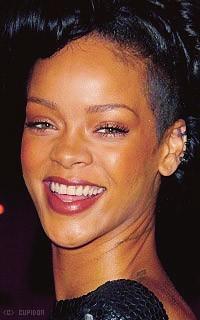 Rihanna Fenty TVahpq
