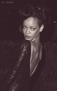 Rihanna Fenty 0dTDED