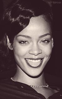 Rihanna Fenty A6v3ET