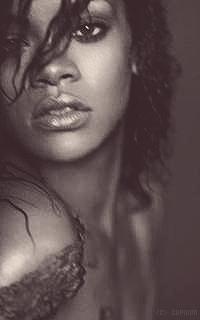 Rihanna Fenty L04io0
